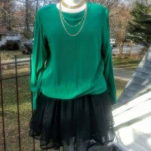 Emerald green Oscar De La Renta silk blouse